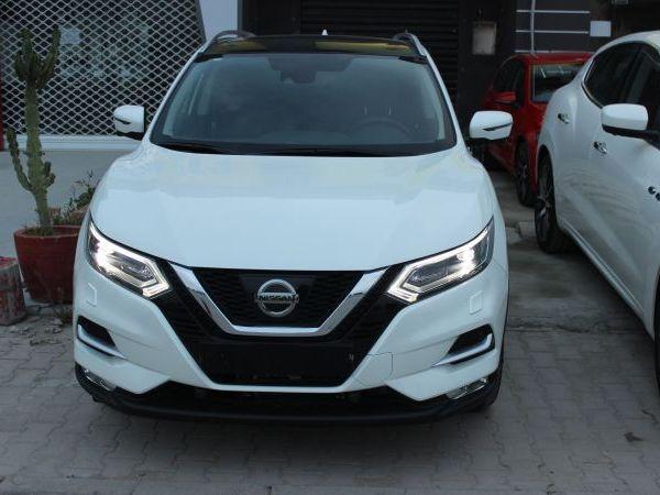 Nissan Qashqai blanc perle tekna