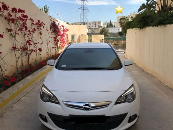 Opel Astra GTC 1,4T essence