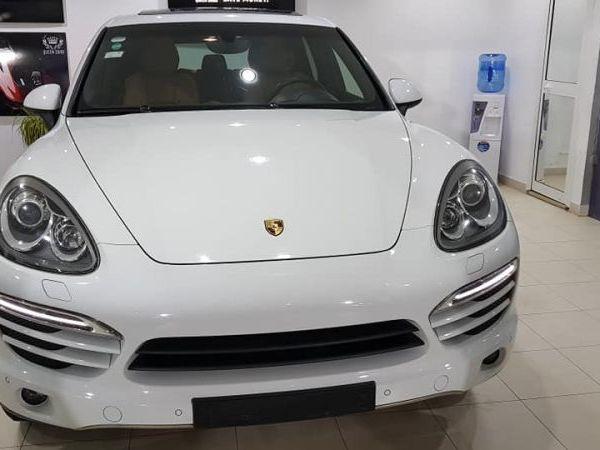 Porsche Cayenne 3.6 l V6 300din