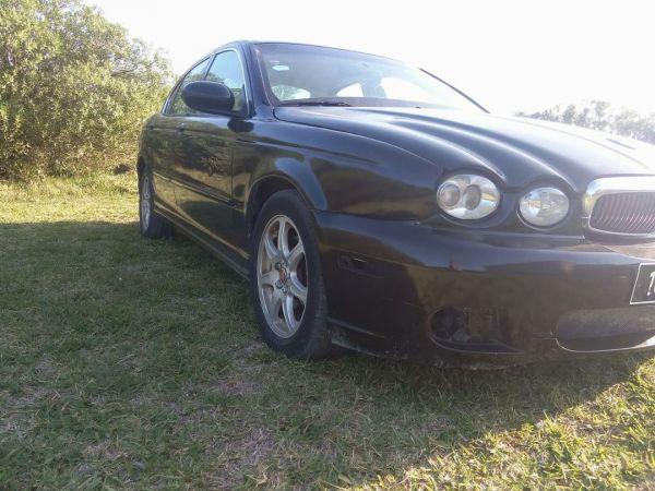 Jaguar X-Type 2.0 10cv