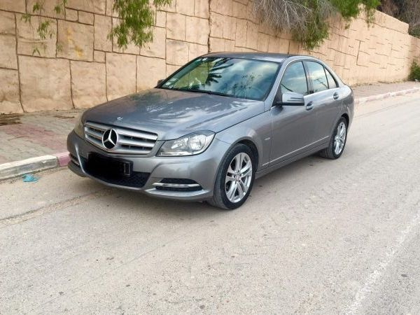 Mercedes-Benz Classe C 180 1er main